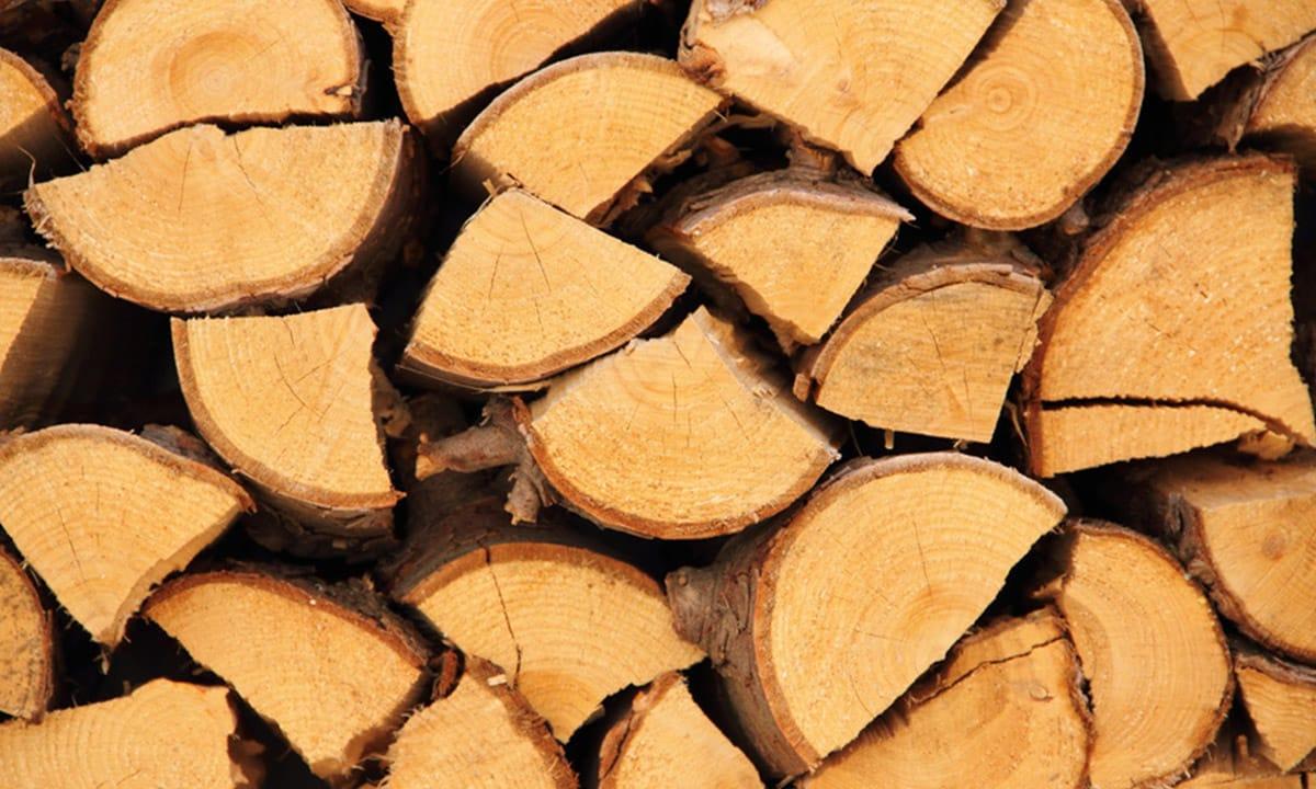 Brennholz und Kaminholz